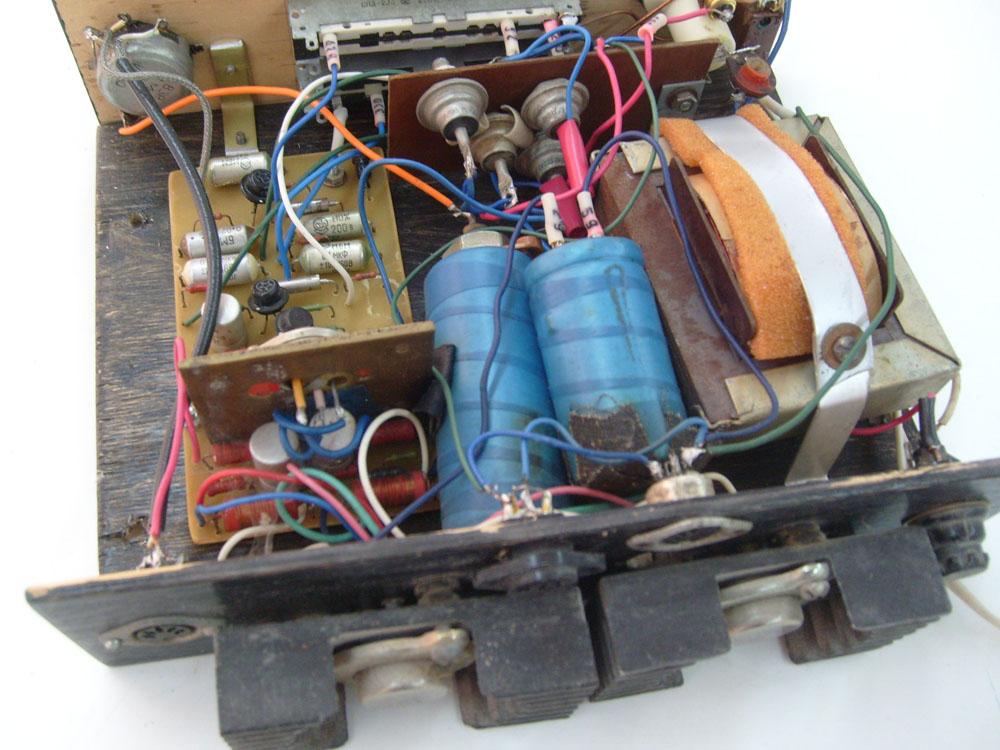 Схемы магнитофонов  В помощь радиолюбителю